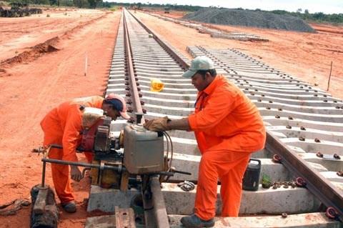 Ferrovia Oeste-Leste está na lista de acordos com chineses